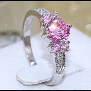 sterling silver ring with pink stone size 6